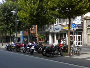 Motorradparkplatz_Bochum_Willy-Brand-Platz